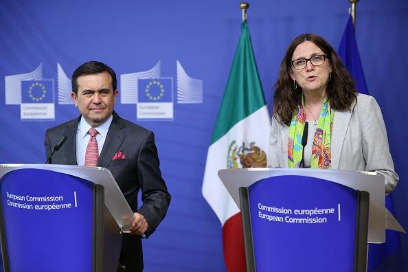 Ildefonso Guajardo, secretario de Economía, y Cecilia Malmström, comisaria europea de Comercio. (Getty Images)