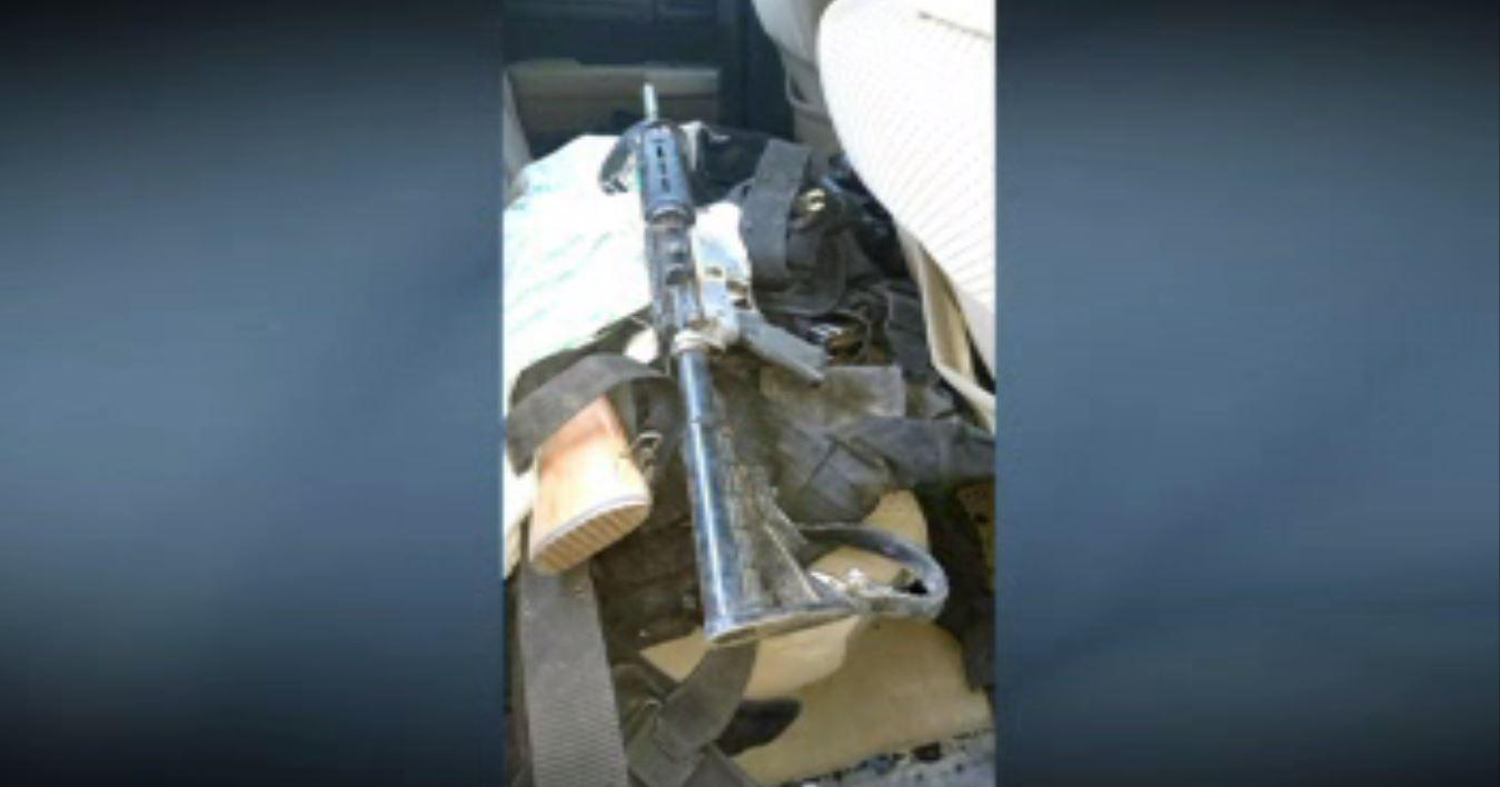 Hallan armamento dentro de camioneta en Nuevo León