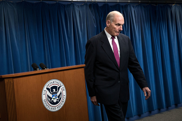 John Kelly termina una conferencia de prensa