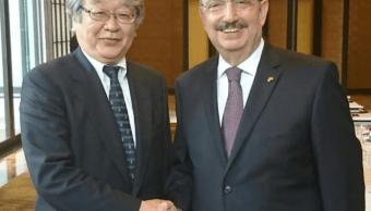 Keiichi Katakami y Carlos de Icaza reunidos en Tokio, Japón