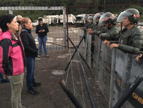 Lilian Tintori protesta frente a la prisión donde se encuentra su esposo
