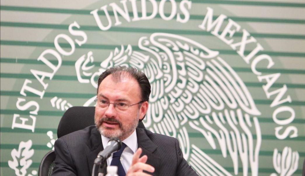 Luis videgaray sostiene una reunion con estudiantes
