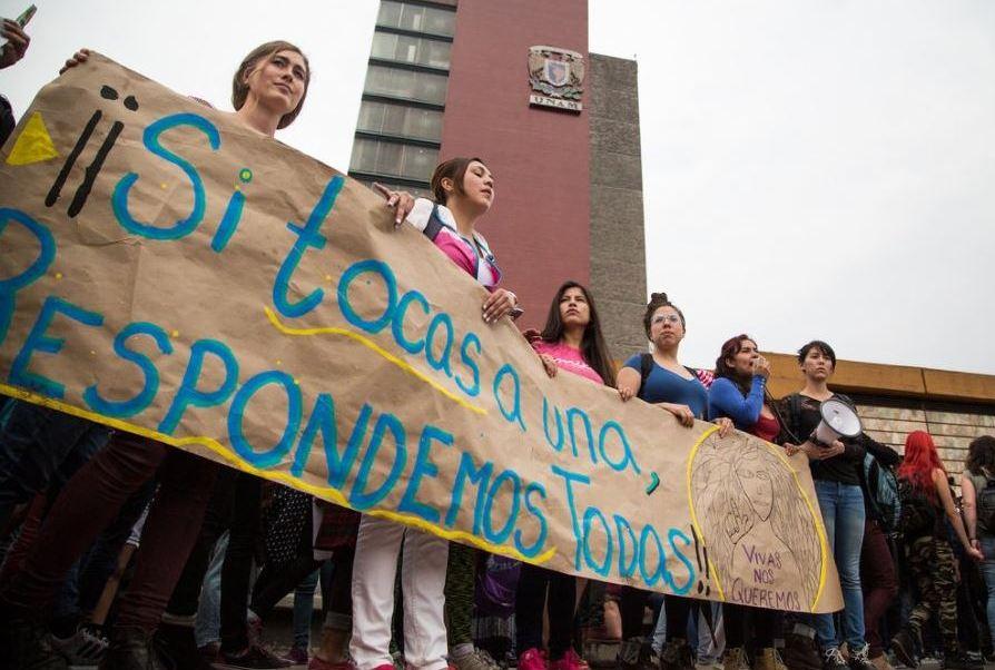 Alumnos de la UNAM se manifiestan por la inseguridad en la máxima casa de estudios. (@prensacimac)