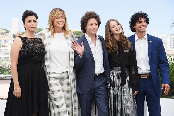 Michel Franco y el elenco de Las hijas de Abril, en Cannes