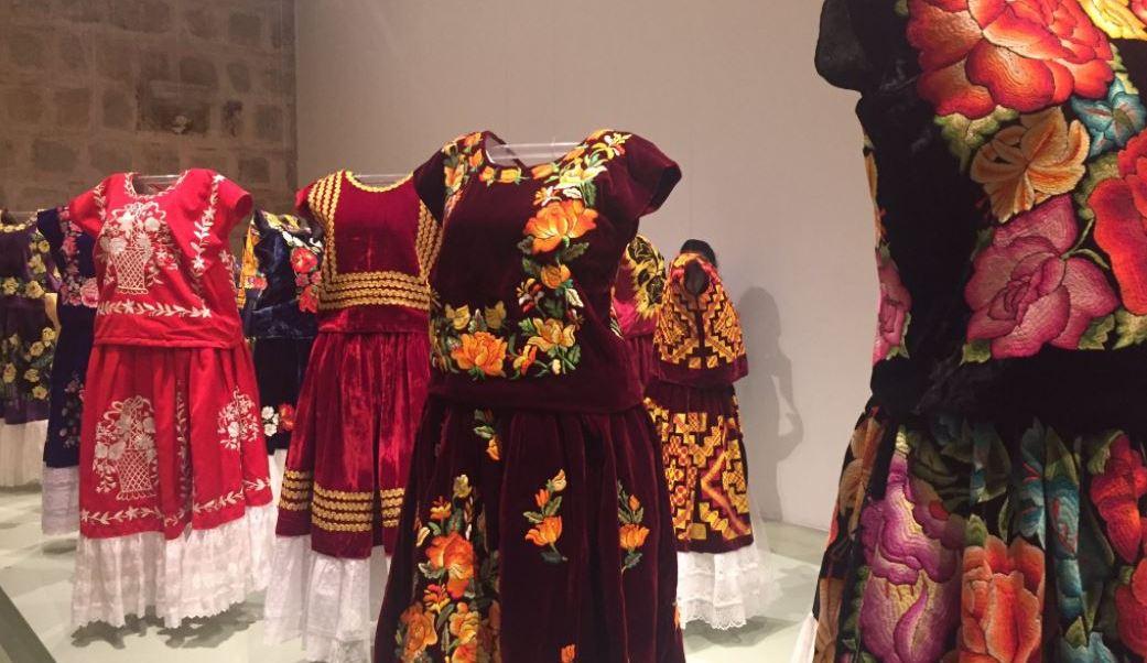 Oaxaca, museo, vestimenta, mujeres zapotecas, ropa, exposicion,