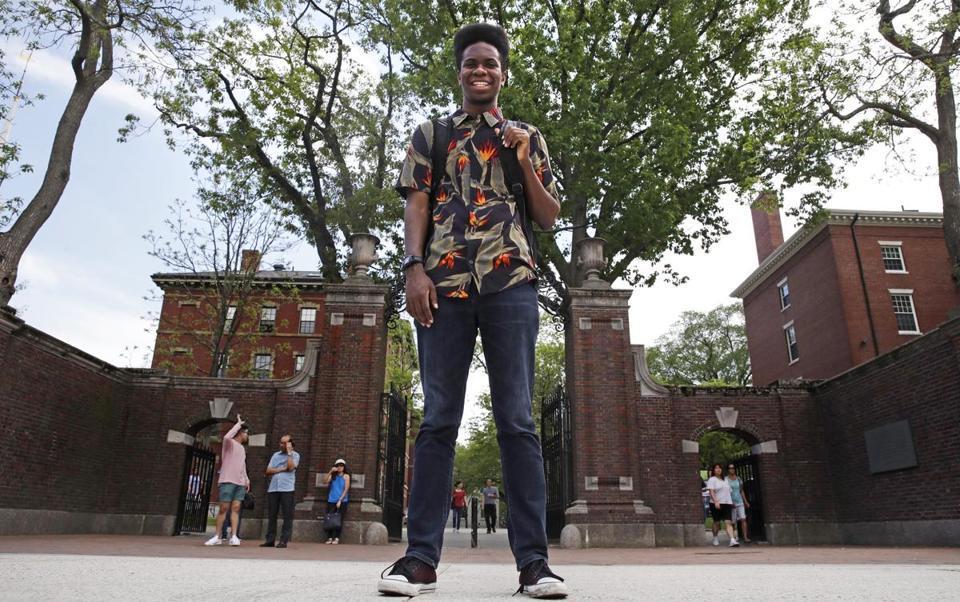 Estudiante, Harvard, tesis, disco, música, universidad,