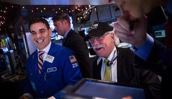 En operaciones matutinas en Wall Street, el Dow Jones subía 51.51 puntos