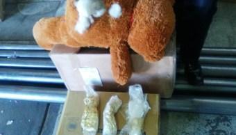 Oso de peluche relleno de droga decomisado en Sinaloa