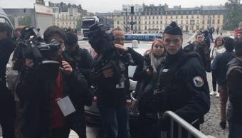 El Museo del Louvre de París es evacuado (Twitter @nadsekwana)