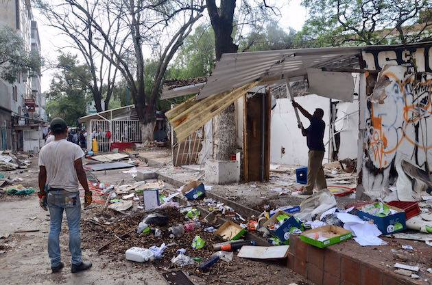 Pasillo de la Salmonela, UNAM, Ciudad Universitaria, CDMX, Gobierno, comerciantes