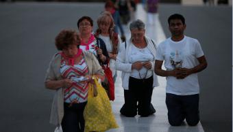 Peregrinos se dirigen a Fatima para visita del papa