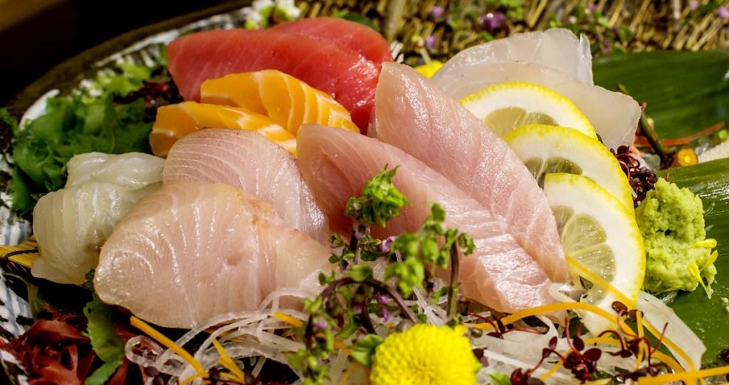 sushi, anisakiasis, bacteria, intestino