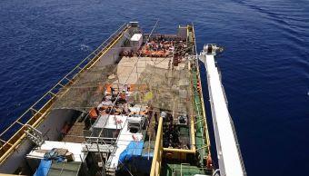 Guardia costera italiana rescata a 3 mil inmigrantes en el mar Mediterráneo