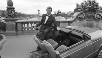 Roger Moore, Agente 007, actor, actor inglés, cine inglés, Roger Moore en París