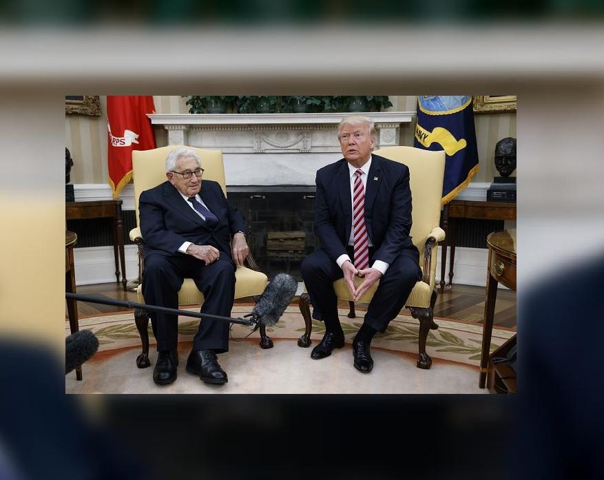 Trump culpa a los demócratas ¡del despido de Comey!