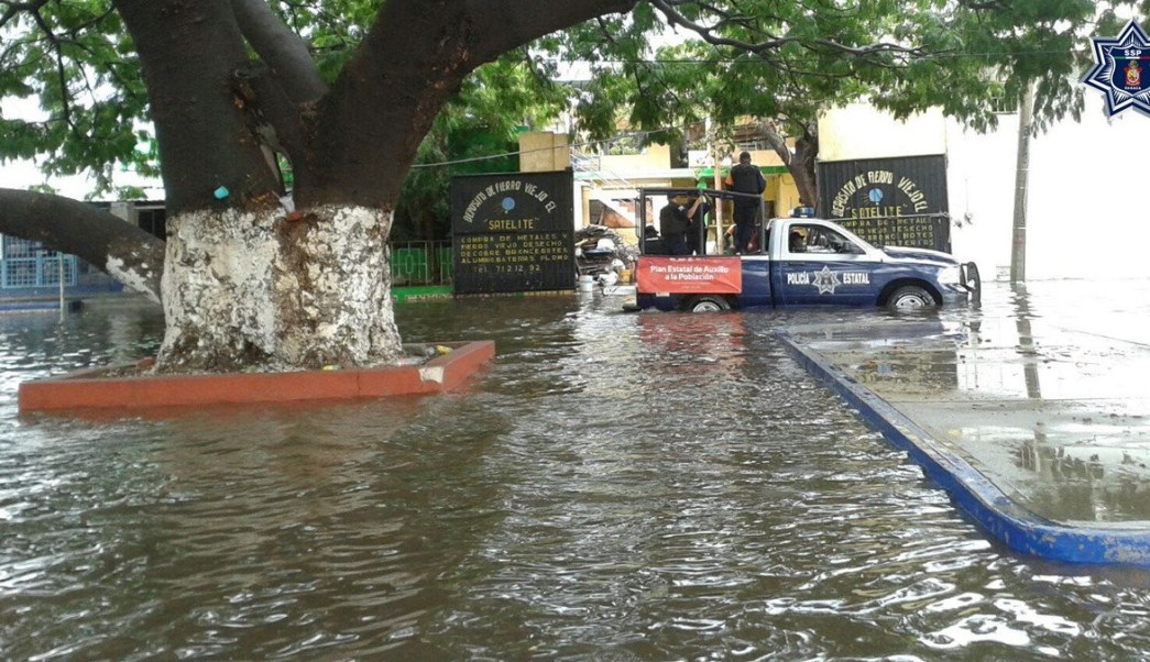 Inundación por la intensa lluvia en Oaxaca. (Twitter @SSP_GobOax)