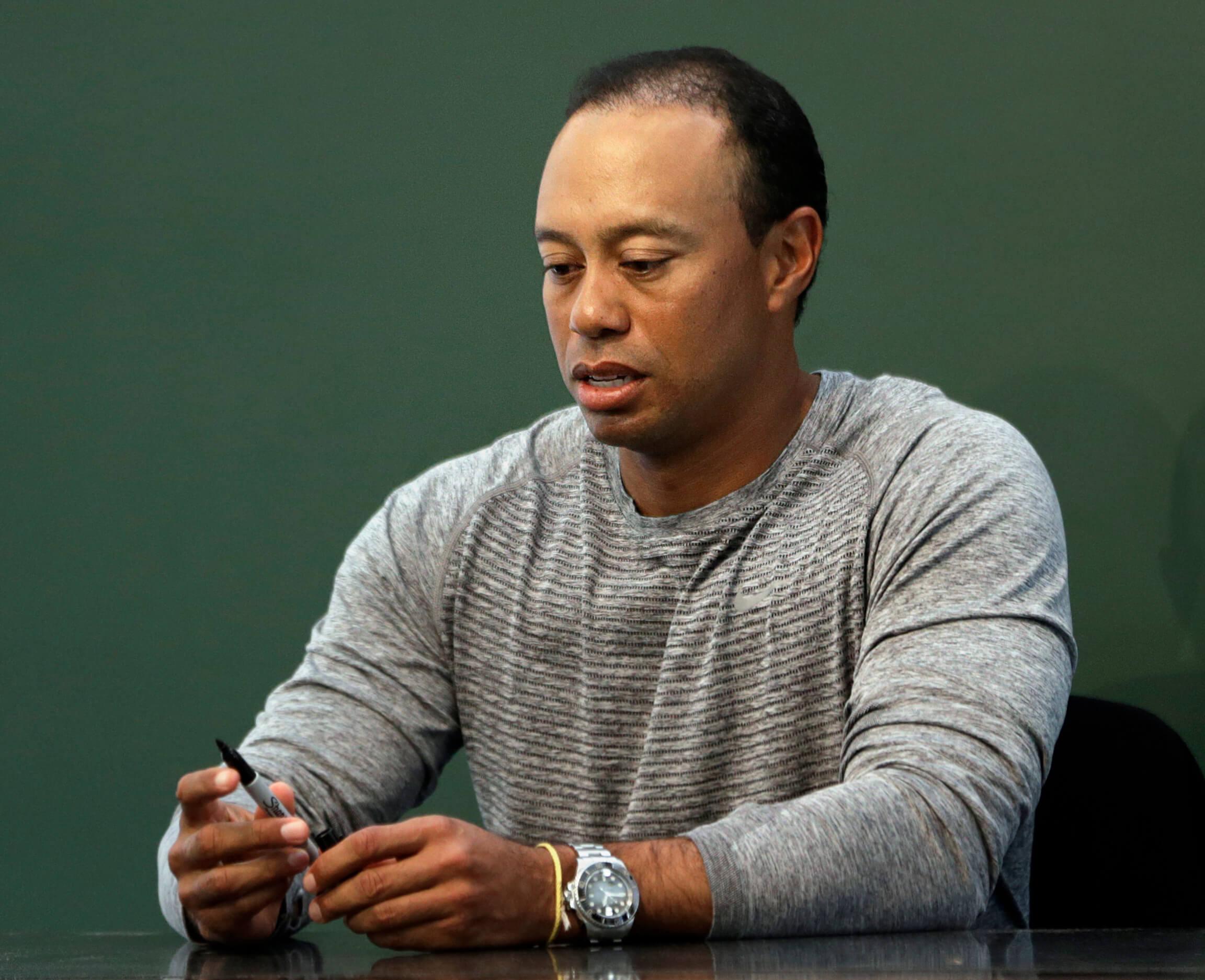Arrestan a Tiger Woods por conducir en estado de ebriedad