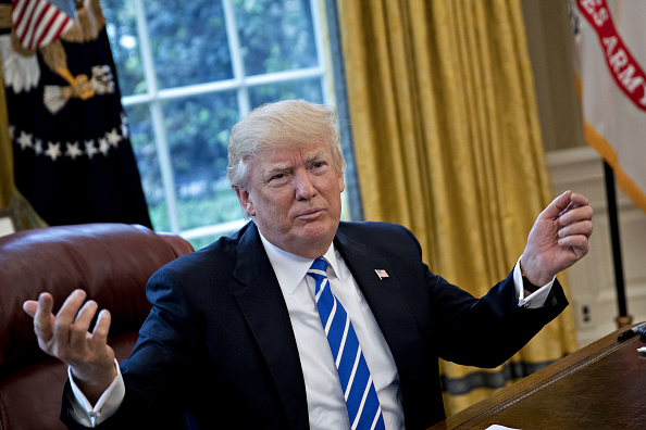 Donald Trump da una entrevista en la Oficina Oval