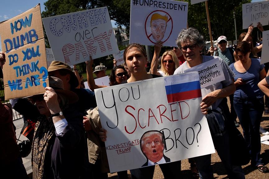 Manifestantes se reúnen contra Donald Trump (Reuters)