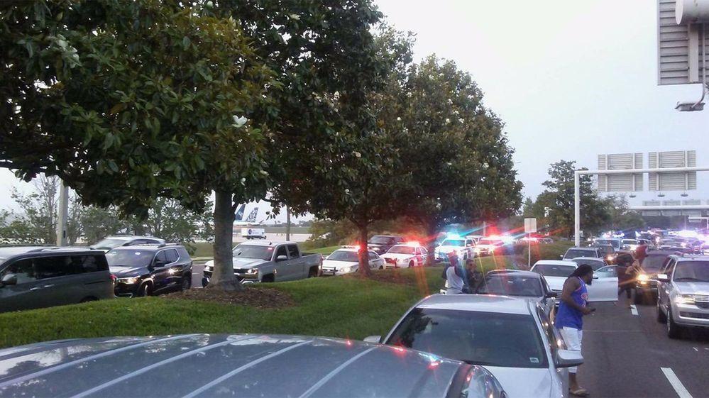 Aeropuerto, Orlando, tiroteo, seguridad, policía, hombre,