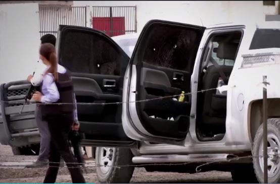 camioneta afectada por una balacera en Villa Ahumada