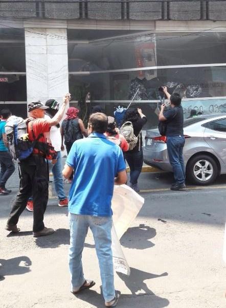 Manifestantes, Ayotzinapa, Vandalizan, Cdmx, Noticias, Estudiantes