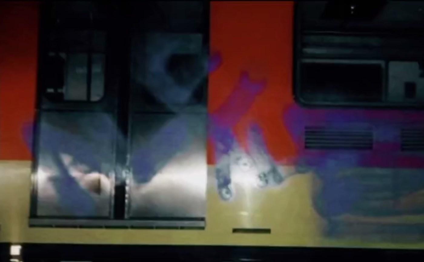 Vandalos pintan vagones del metro de la CDMX