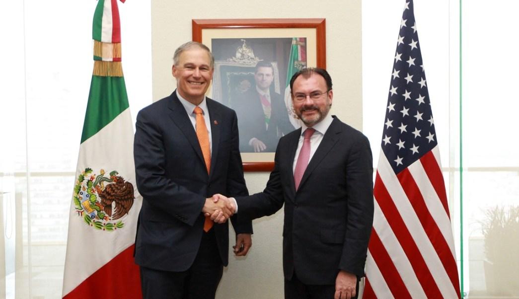 El titular de la SRE, Luis Videgaray, se reunió con el gobernador de Washington, Jay Inlsee. (Notimex)
