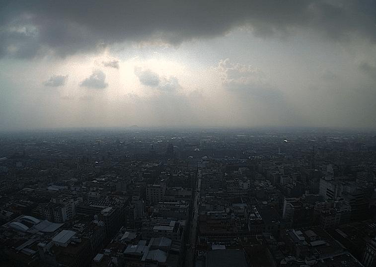 Continúa muy alta la contaminación en el Valle de México