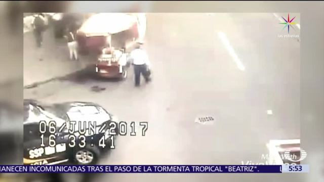 Bomberos, paramédicos, CDMX, ladrón quedó atrapado