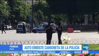 hombre estrelló, coche, camioneta policial, Campos Elíseos. agresor murió
