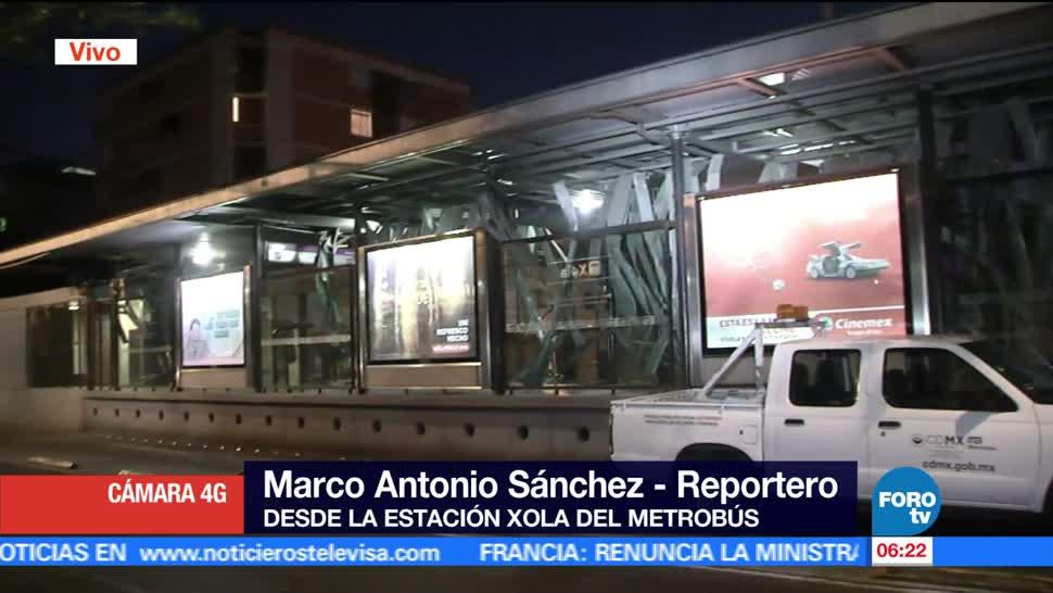 tráiler, plafón metálico, estación Xola, Metrobús, servicio suspendido