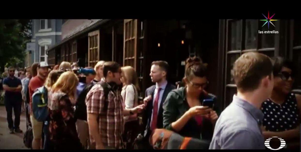 Abarrotan bares en EU por comparecencia de James Comey