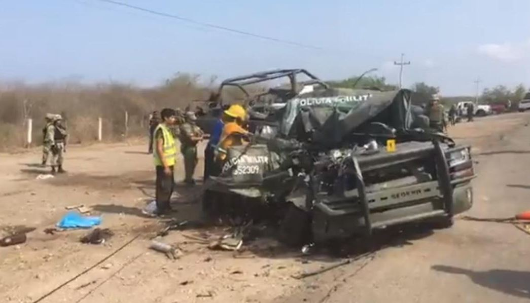 Accidente Vehiculo Militar En Sinaloa, Accidente De Militares En La Autopista Mazatlan-Sinaloa, Policia Militar
