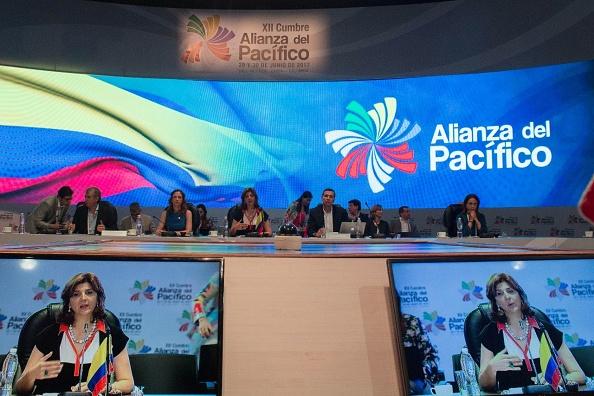 Inició la sesión plenaria de la Cumbre de la Alianza del Pacífico