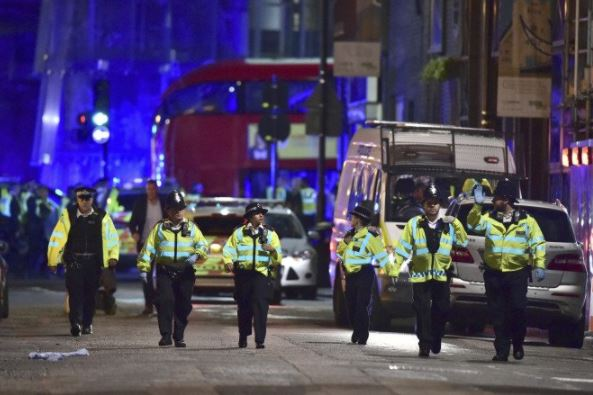 Policía británica busca a tres sospechosos tras incidentes en Londres