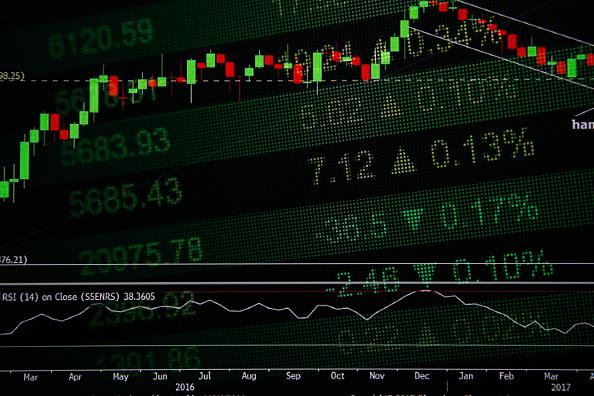 Las Bolsas europeas comenzaron operaciones con tendencia indefinida