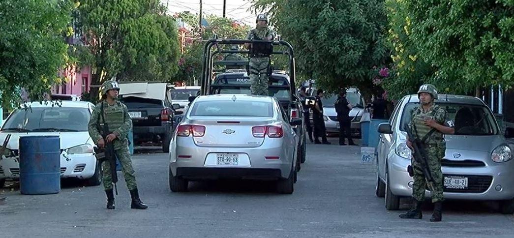 Soldados colaboran en cateos en dos municipios de Nuevo León