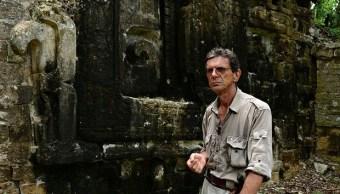 Arqueologo estudia la ciudad maya de chactun
