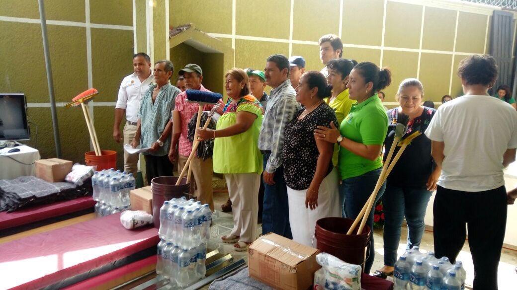 Daminificados del sismo en chiapas reciben ayuda