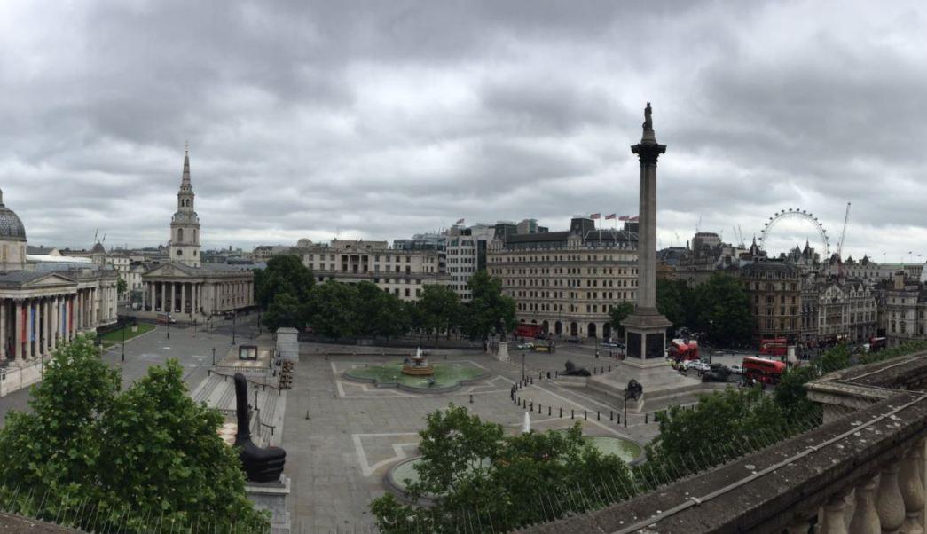 Cierran la Plaza de Trafalgar por paquete sospechoso