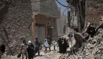Civiles salen de Mosul, tomada por el Estado Islámico