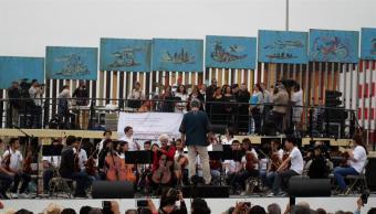 Muro fronterizo, concierto, Tijuana, orquesta, Donald Trump, frontera