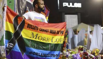Conmemoran primer aniversario de ataque a bar Pulse de Orlando. (EFE)