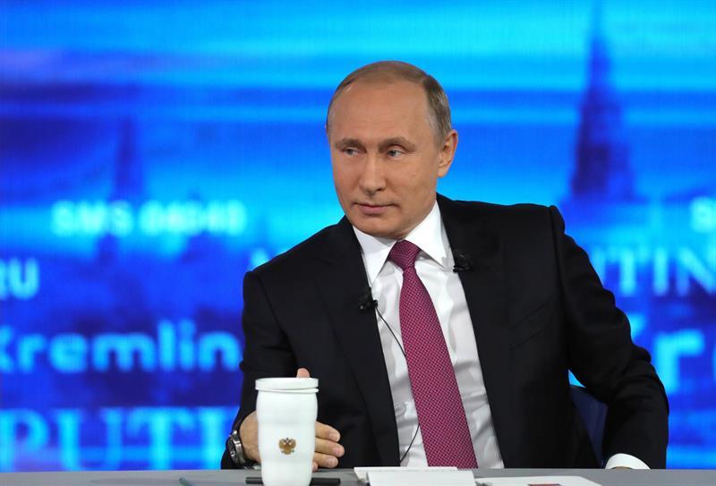 Vladimir Putin, asiste al programa Línea Directa con Putin
