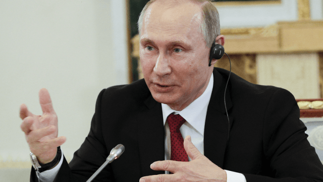 El presidente ruso, Vladimir Putin, durante su entrevista con los presidentes de 10 grandes agencias de prensa internacionales