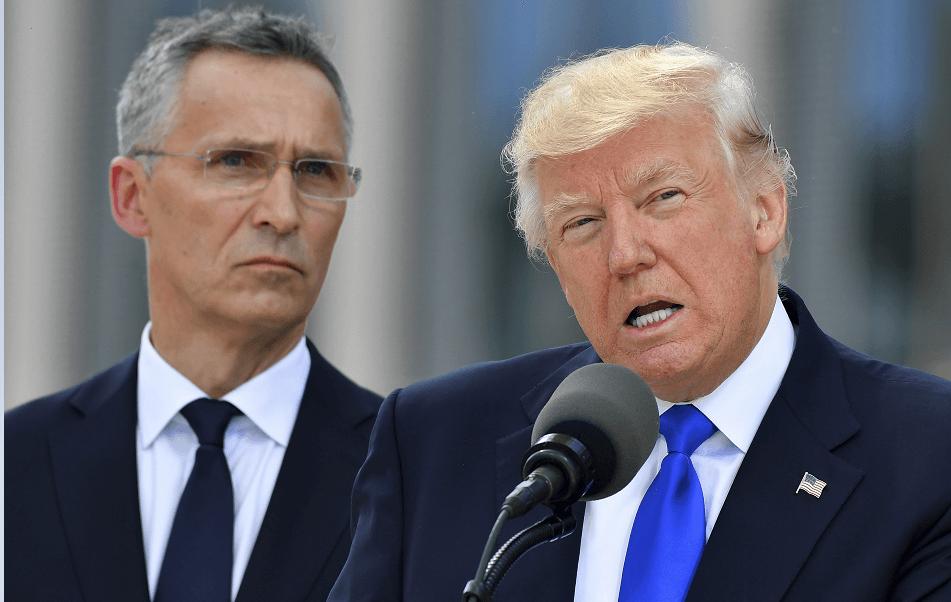 El secretario general de la OTAN, Jens Stoltenberg, y Donald Trump. (AP, archivo)