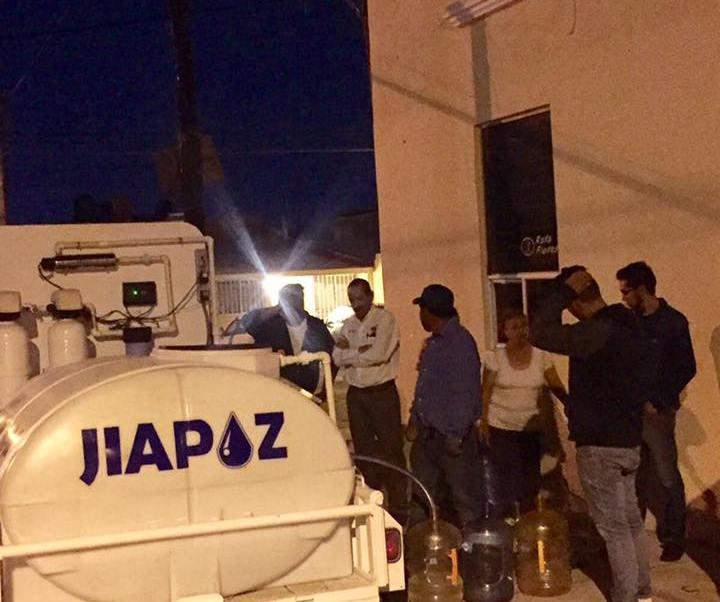 Entrega de agua potable en la colonia el Dorado Guadalupe Zacatecas