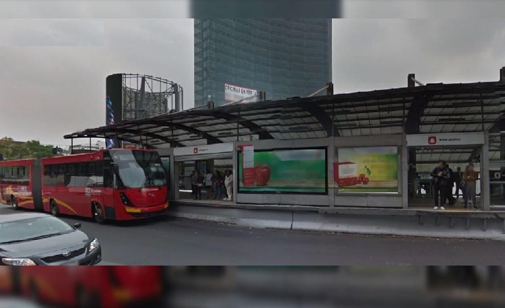 Glorieta insurgentes, Metrobus, estación metrobus, usuarios