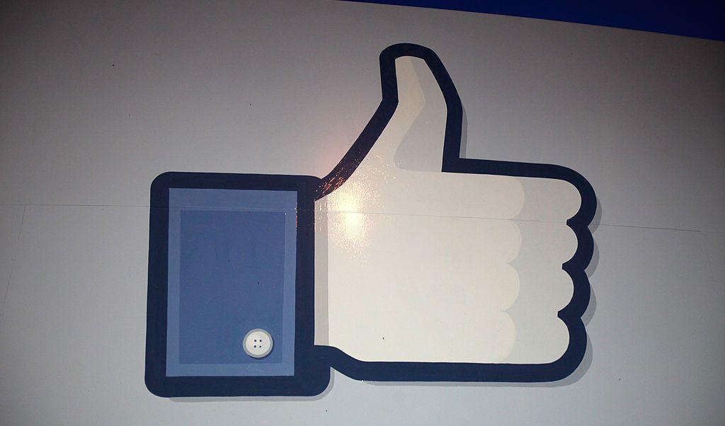 Facebook, Suiza, like, multa